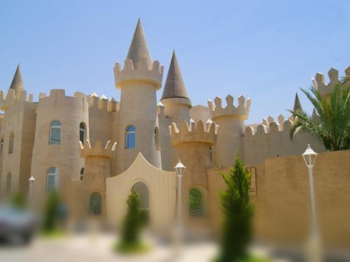 پروژه ساختمان معماری قلعه شکل پنجره آلومینیوم