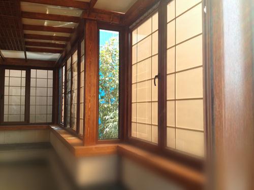 پروژه پروفیل و پنجره های طرح چوب سخته شده توس ایستاوین